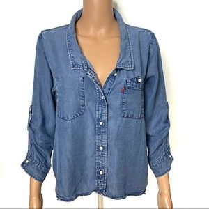 Levi's Denim Jean Button up Chambray Shirt